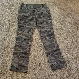 Columbia camo cargo hiking pants